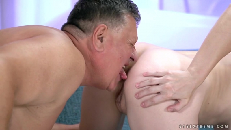 Kiki Cyrus - A Hot Shower And An Old Man All Sex, Hardcore, Blowjob, Gonzo