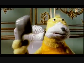 Mr oizo - flat beat (official video directed by quentin dupieux with flat eric)