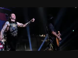 Slash ft. Myles Kennedy and The Conspirators -