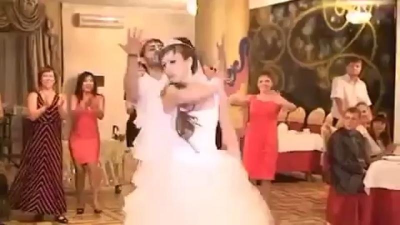 Невеста зажгла )