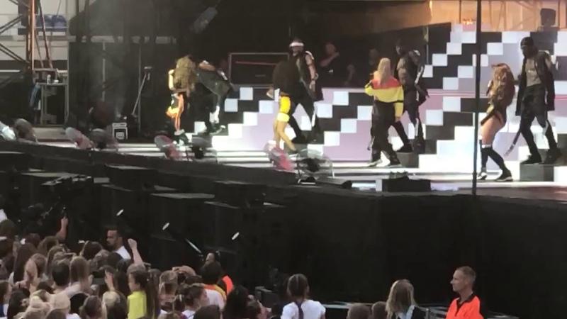 08.07.18 | Выступление с «How Ya Doin'?» в рамках «The Summer Hits Tour» (Колчестер, Великобритания)