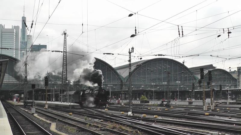 01 1066 mit dem FD Roland Frankfurt - Kassel | 01 1066 voll in Fahrt