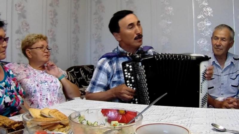 Классташым Фәйзулла Шаяхметов ҡатыны Рәхимә менән беҙҙә ҡунаҡта.Бик матур йырлай.