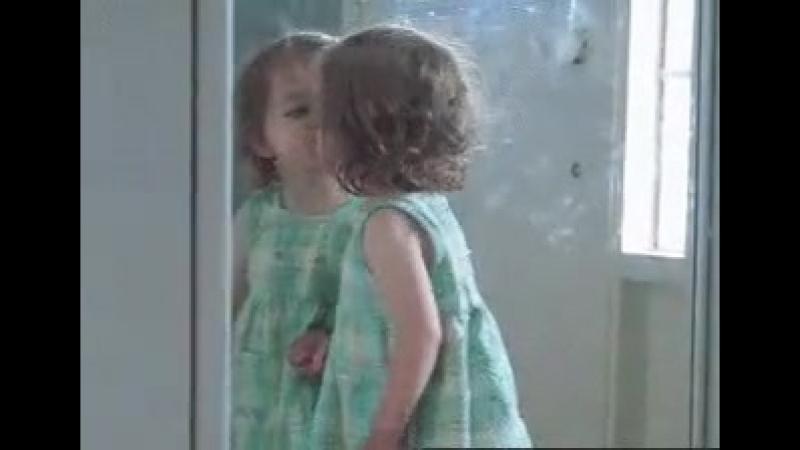 Я люблю трёх человек: меня, себя и вон ту богиню в зеркале! 😃