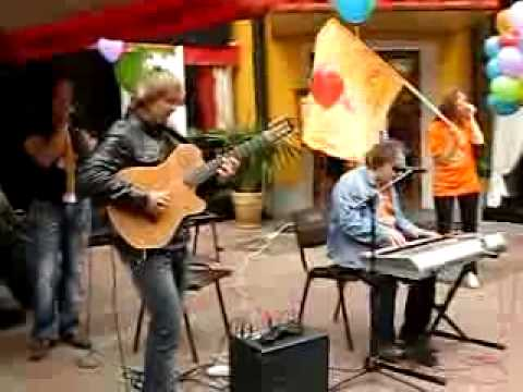 Sergey Manukyan and Sasha Rodovsky on the Arbat. Moscow. - Funk Blues.