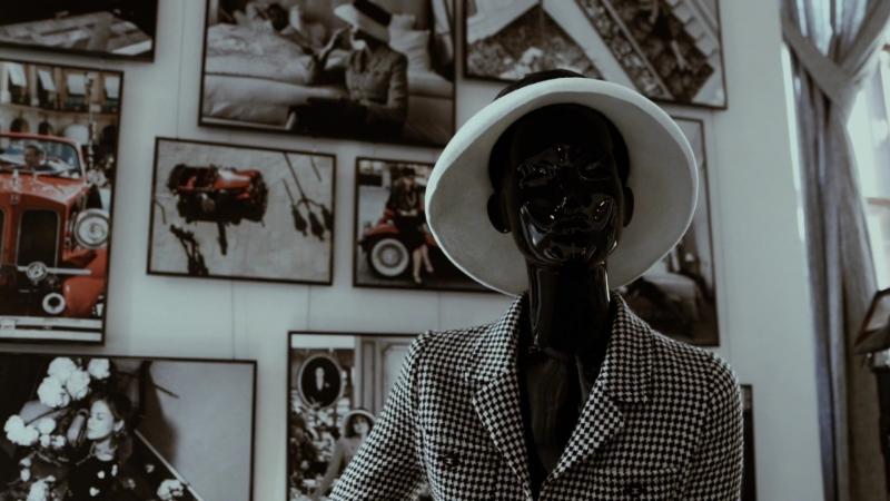 Прогулка по залам «Коко Шанель» и «Метрополь». Павел Манылов. Выставка «Путешествия как искусство»