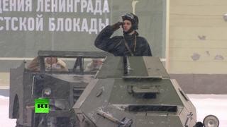 Танки, звуки метронома и полёт «Стрижей»: в Петербурге прошёл парад в честь 75-летия снятия блокады