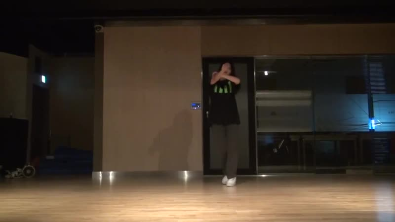 Dance cover by Junghwa
