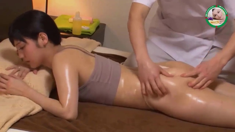 Teaching Japanese massage technique with essential oil, relax