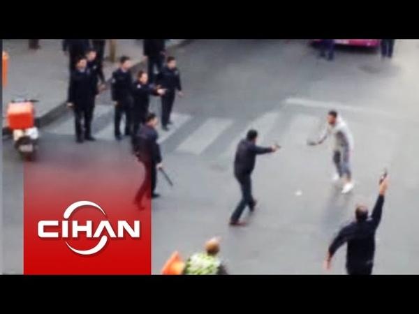 İstanbulda polise satırlı saldırı Dehşet anları cep telefonu kamerasında