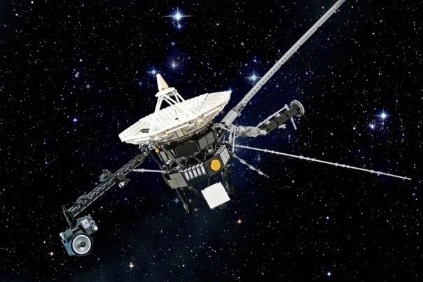 Где сейчас странствует легендарный Вояджер Легендарный космический зонд Вояджер-1 был запущен 41 год назад. Самое поразительное, что до сих пор он поддерживает связь с Землёй.Предполагалось,