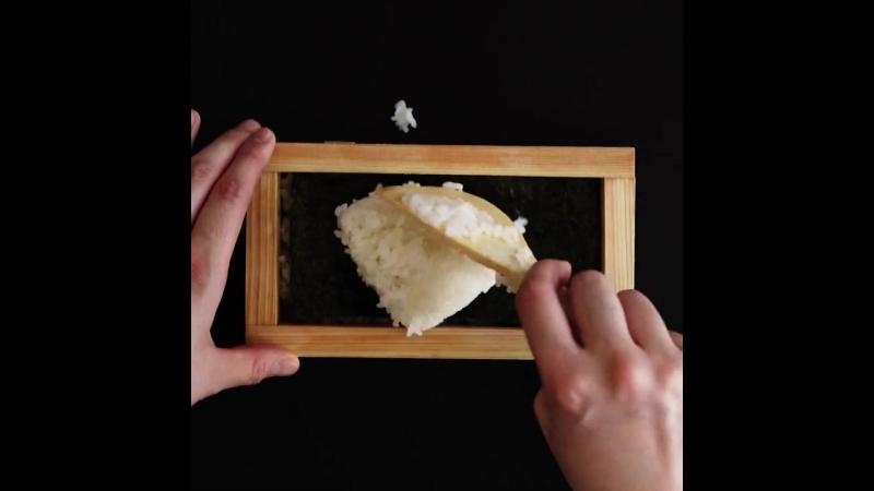 Аппетитные квадратные суши