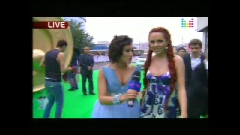 МакSим на красной дорожке Премии Муз-ТВ 2010 (11.06.10)