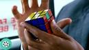 Крис Гарднер успел собрать кубик Рубика, пока давал эксклюзивное интервью. В погоне за счастьем