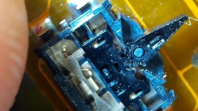 Не фокусируется фотокамера Panasonic DMC-G2 / Не срабатывает переключатель режима фокусировки