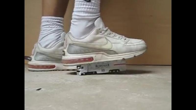 Nike Air MAX LTD crush toy