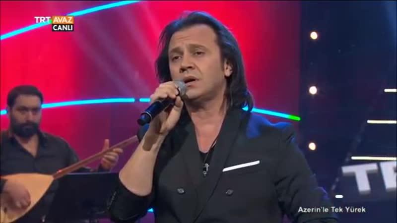 Cem Gürdal bir Kırım Halk Türküsü olan Karanfili seslendiriyor