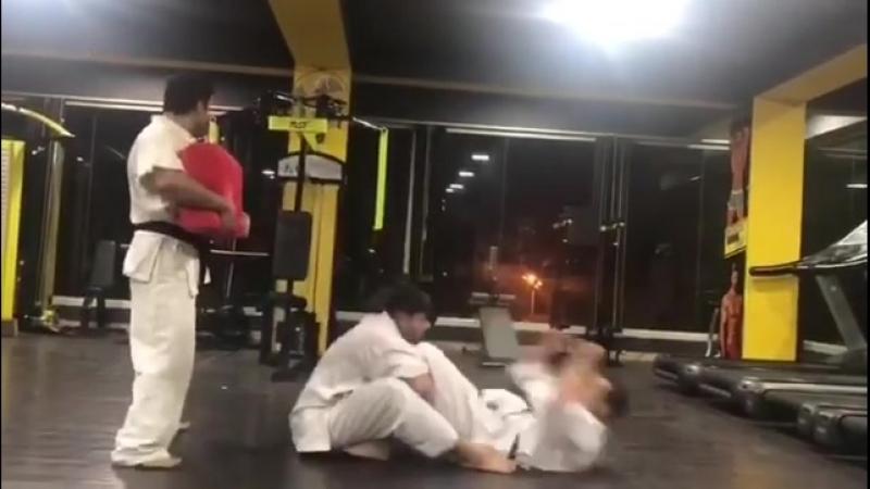 Тренировки по жёсткачу воинов боевого искусства Кёкусинкай карате не каждому по силам. Подготовка бойца vk.com/oyama_mas