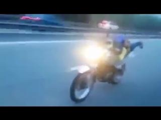 Awek_melayu_fly_di_highway_😱😱.mp4