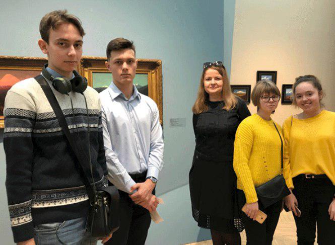 Девятиклассники из Бибирева посетили выставку русского художника Архипа Куинджи