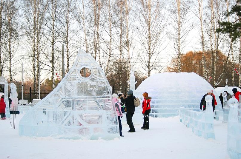 Ледовые и снежные городки. Подождите загрузки картинки!