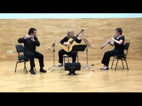 Trio MeSaMor flauta Vicent Morelló oboe Sarah Roper y guitarra María Esther Guzmán