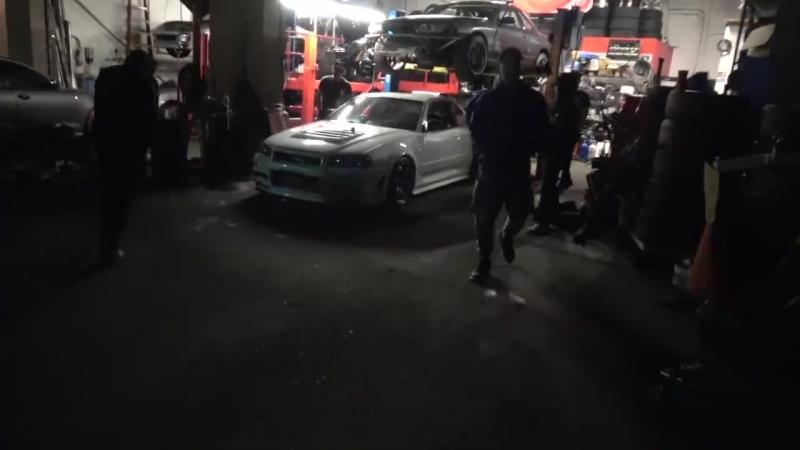 😆 БЕДНЫЙ ПАРЕНЬ!! POOR GUY!! (800HP R34 GT-R WAKEUP!)