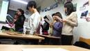 Китайские студенты поют подмосковные вечера Супер Бомба 中国学生唱歌莫斯科郊外 北外的学生