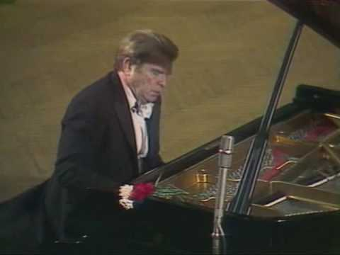Gilels plays the Prelude in B minor Bach Siloti