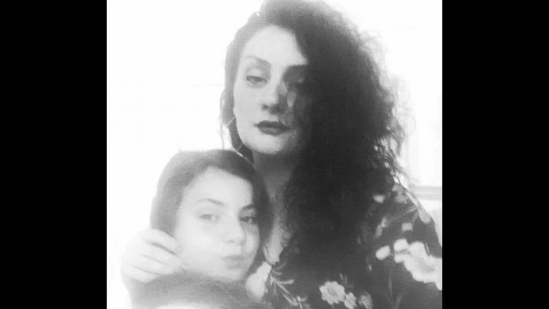 Sareri_Hovin_Mernem-Laura_(RonenLees)█▬█_█_▀█▀_Full HD.mp4