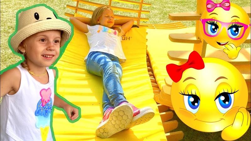 Ксюша и Алиса в Парке Горького! Новые детские площадки Салют! 9 игровых зон для детей!