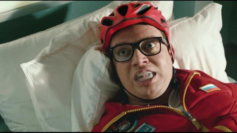Облом или побочный эффект от допинга! (Отрывок из сериала: Команда Б).