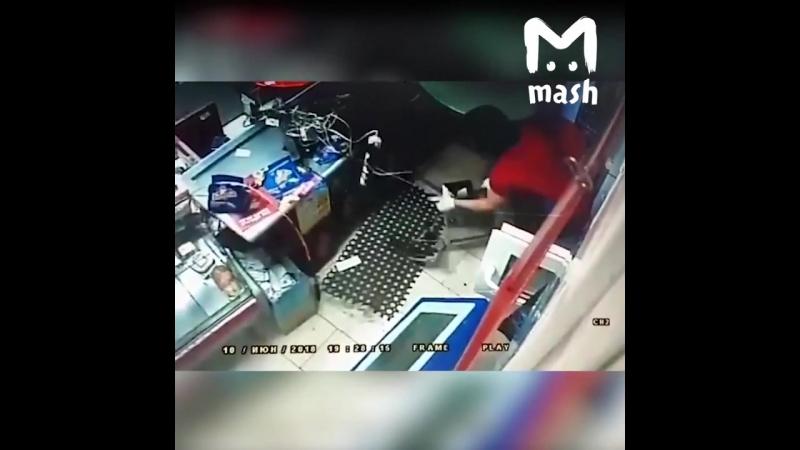 В Уфе разыскивают грабителей в белых носках