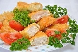 домашний макдоналдс – куриные наггетсы самостоятельно приготовленные куриные наггетсы – не обязательно какой-нибудь вредный фаст-фуд. эти сочные куриные кусочки в хрустящей корочке, приготовленные дома из свежего мяса, на качественном масле –