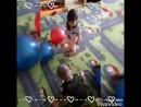 Отмечаем День воспиталя. Играем, танцуем, смеемся Учим детей выражать благодарность, дарить подарки.