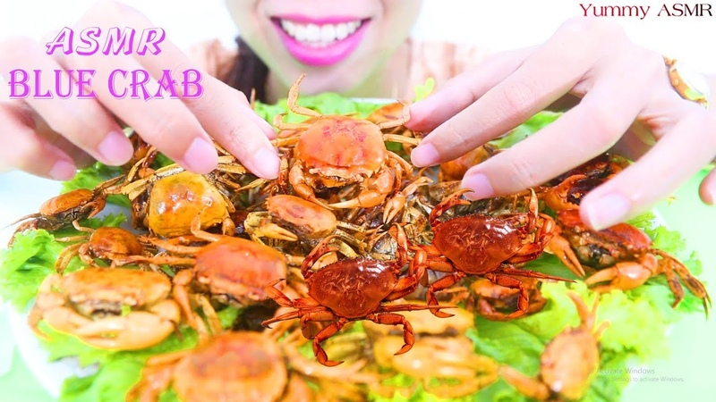 ASMR Eating Boiled Blue crab with Spicy Sauce Cracking Eating Sounds Experiments Yummy ASMR