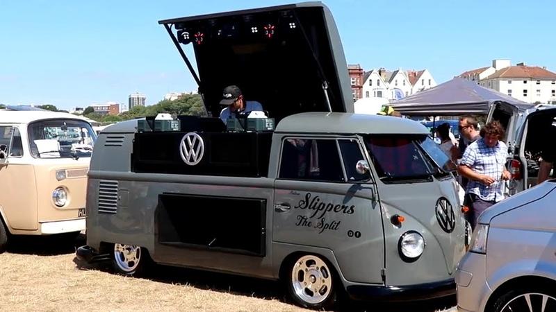 Music powered Volkswagen T1 Split Window VW Kombi Bus Bulli Overhaulin