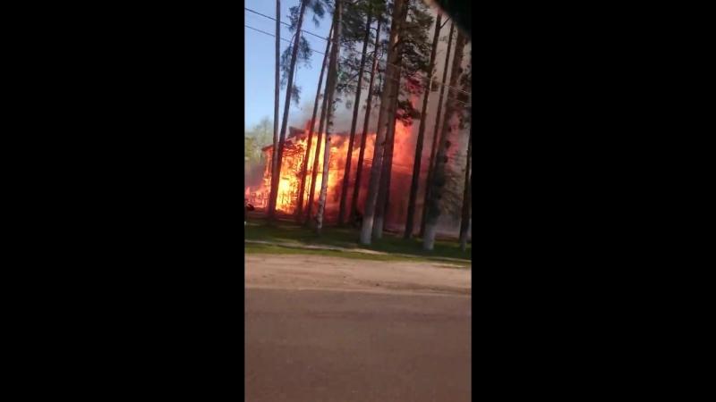 В Кохме горит дом