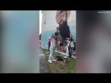 Христианин-вандал уничтожает граффити с Джорджем Майклом в виде Иисуса