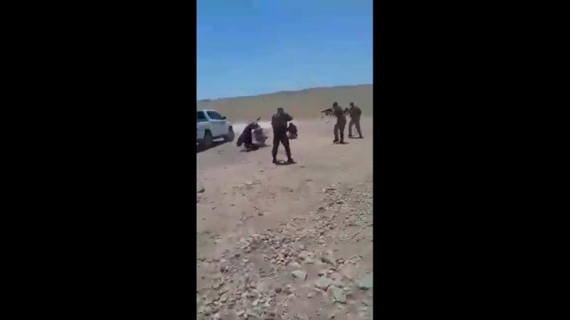Бойцы СДС провели операцию по захвату террористов, просочившихся на окраину Ракки.