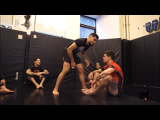 урок от Renato Canuto - Flying Armbar Clinic vs sitting guard