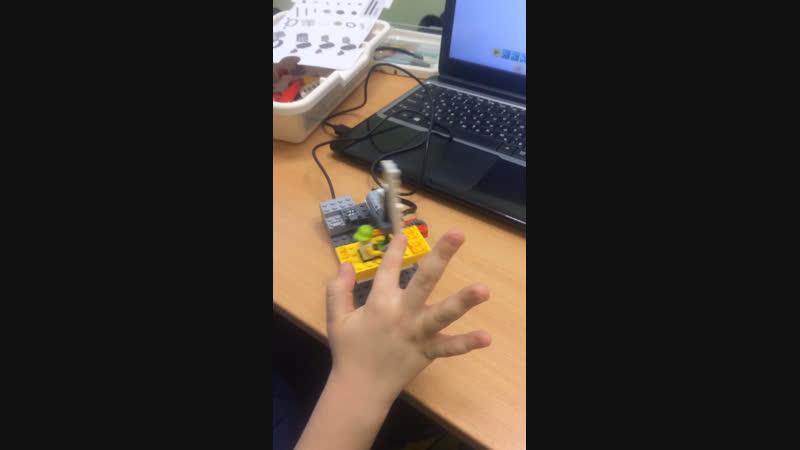 Лего WeDo кораблик