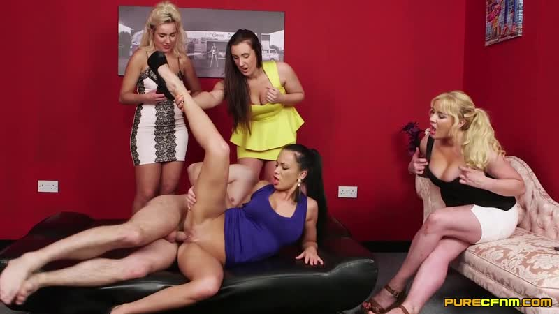 Lois Loveheart, Queenie C., Samanta Blaze and Summer Baniels