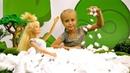 Мультики для девочек - Барби готовит попкорн - Игры в куклы