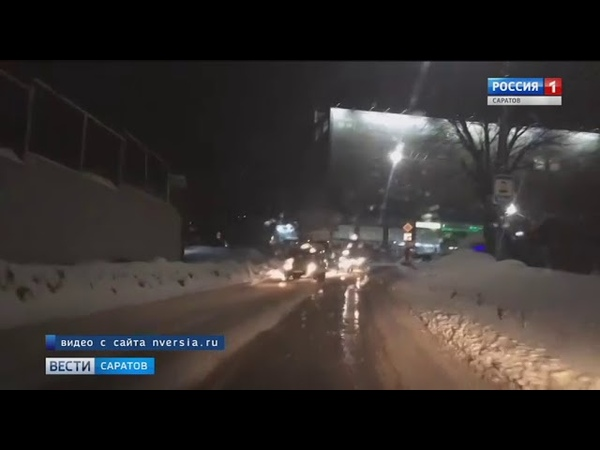 Авария с участием грузовика и иномарки произошла в центре города