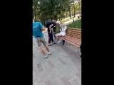 Гопота против 13-летней девочки