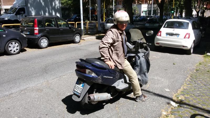 В Риме на скутере