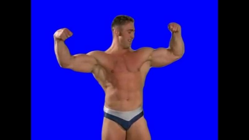 Gachimuchi Billy shows biceps on a blue screen Билли показывает бицуху на синем экране