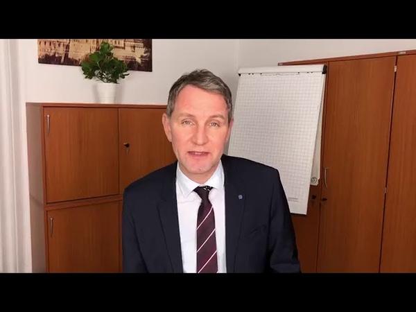 Björn Höcke AfD stellt die neue Ausgabe der Fraktionszeitung Blauer Mut vor 22 01 2019