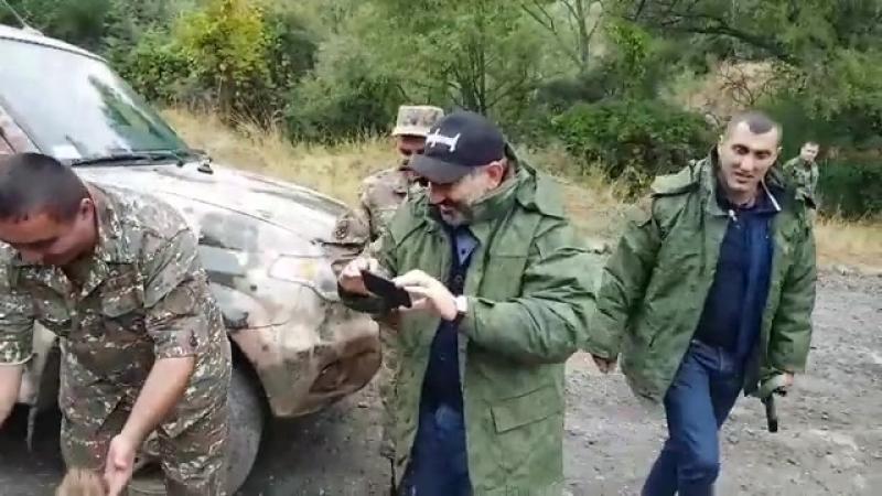 ՀՀ վարչապետի օգնական Նաիրի Սարգսյանը ֆեյսբուքյան իր էջում տեսանյութ է հրապարակել, որտեղ նշում է, որ Արցախում շրջելիս հանդիպել են